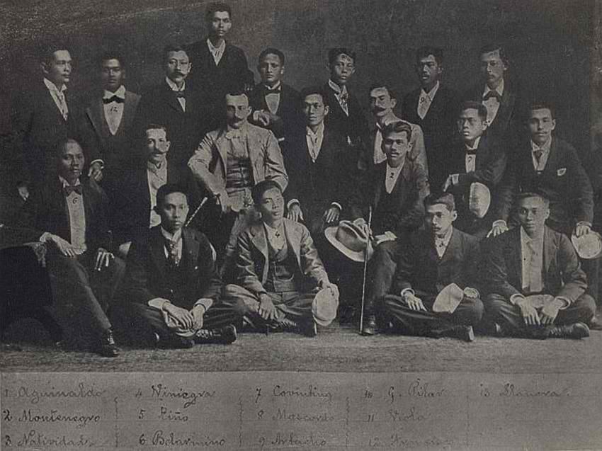 aguinaldo in organizing a republic in biak na bato essay