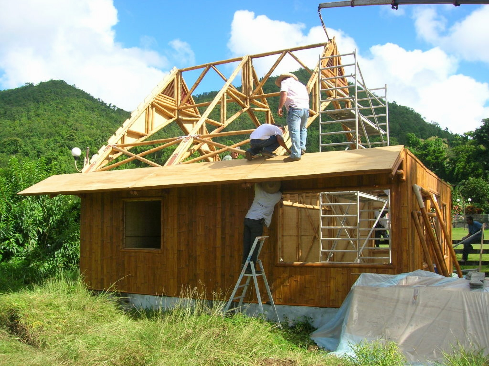 File:Construction maison bambou.jpg