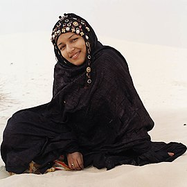 Tuareg woman from Mali January 2007.jpg