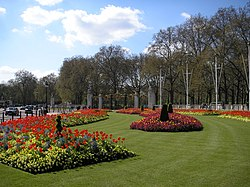 The Mall, London April 2006 033.jpg