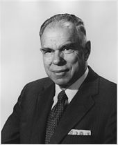 Elderly Seaborg in a suit