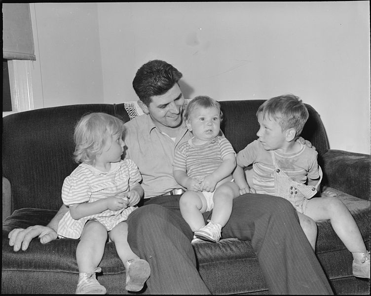 File:Wm. Riley Blankinship, miner, with his children. Koppers Coal Division, Kopperston Mine, Kopperston, Wyoming County... - NARA - 540984.jpg